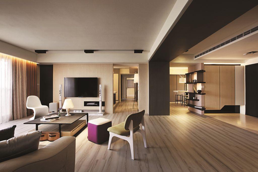 咖色系现代公寓 室内空间布局图