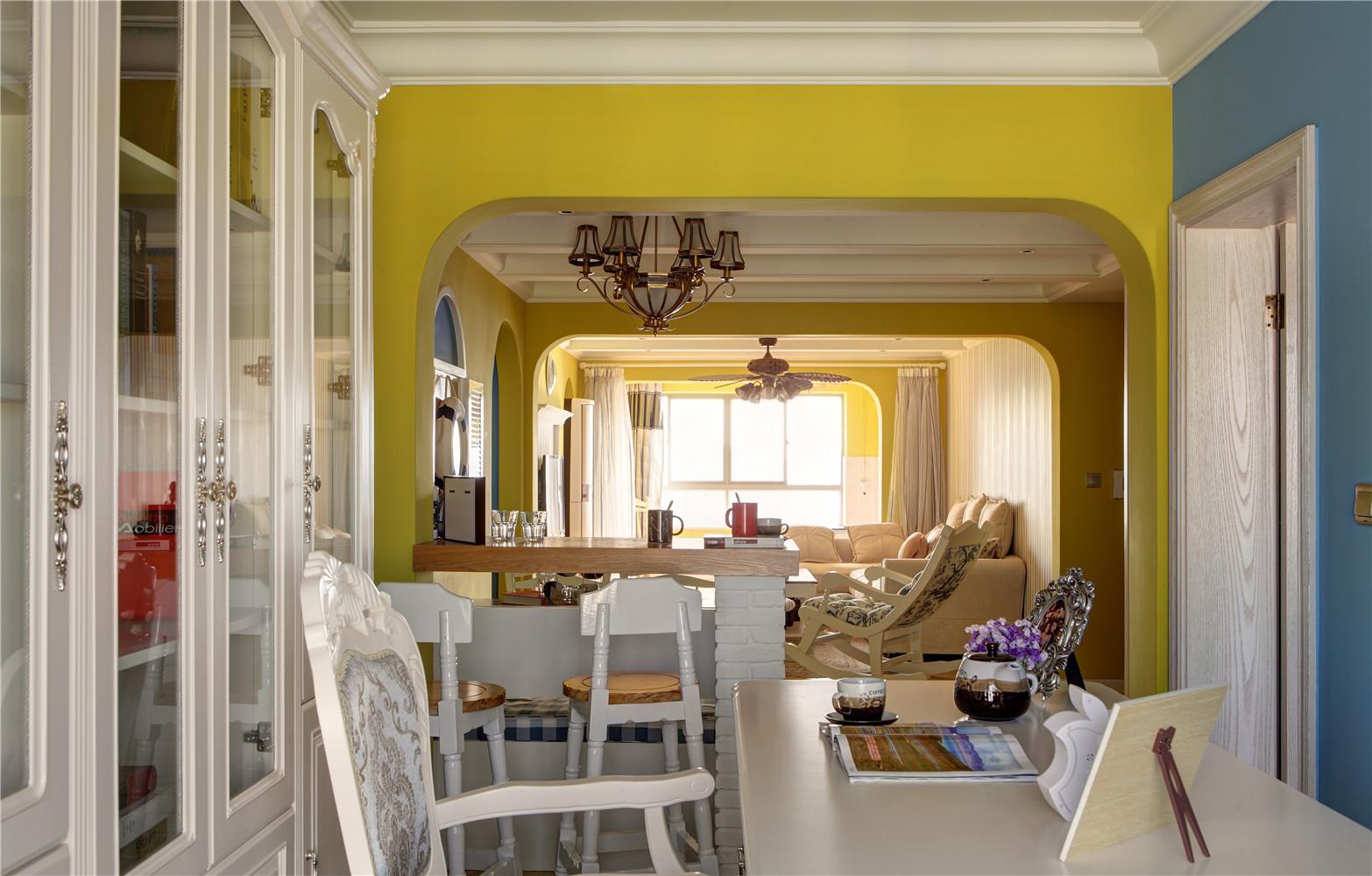 130㎡地中海风格家书桌椅图片