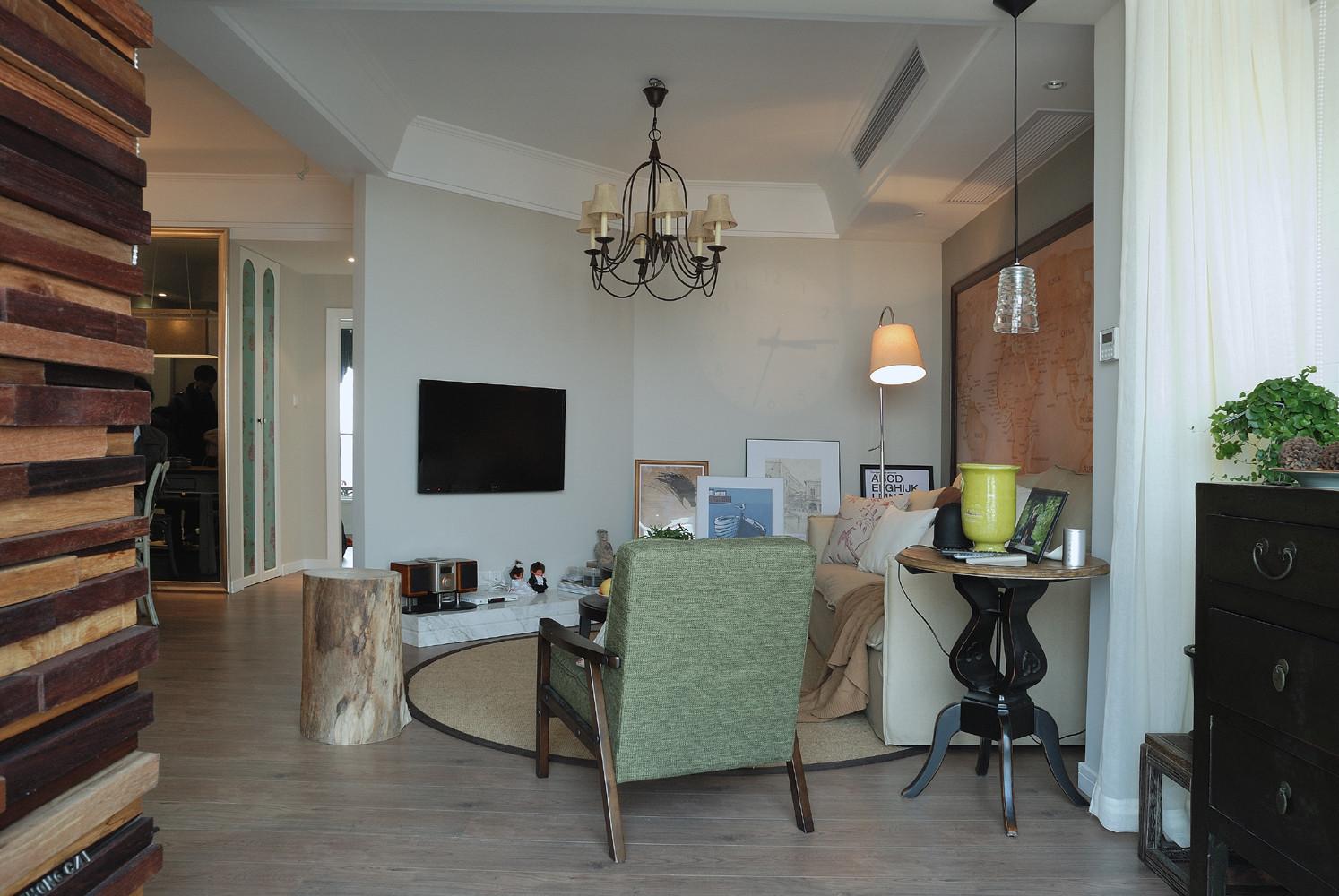 89平美式休闲两居装修客厅全景图