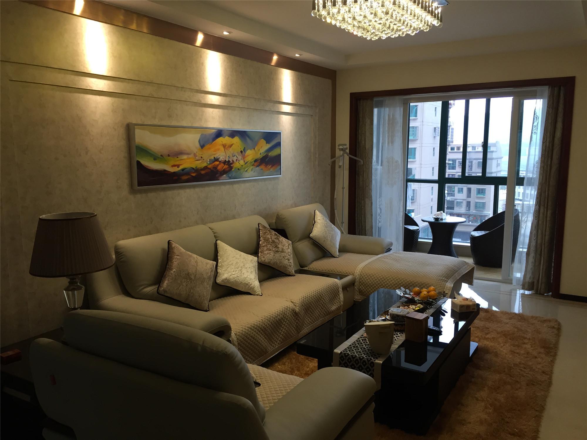 130平现代简约三居装修客厅设计图