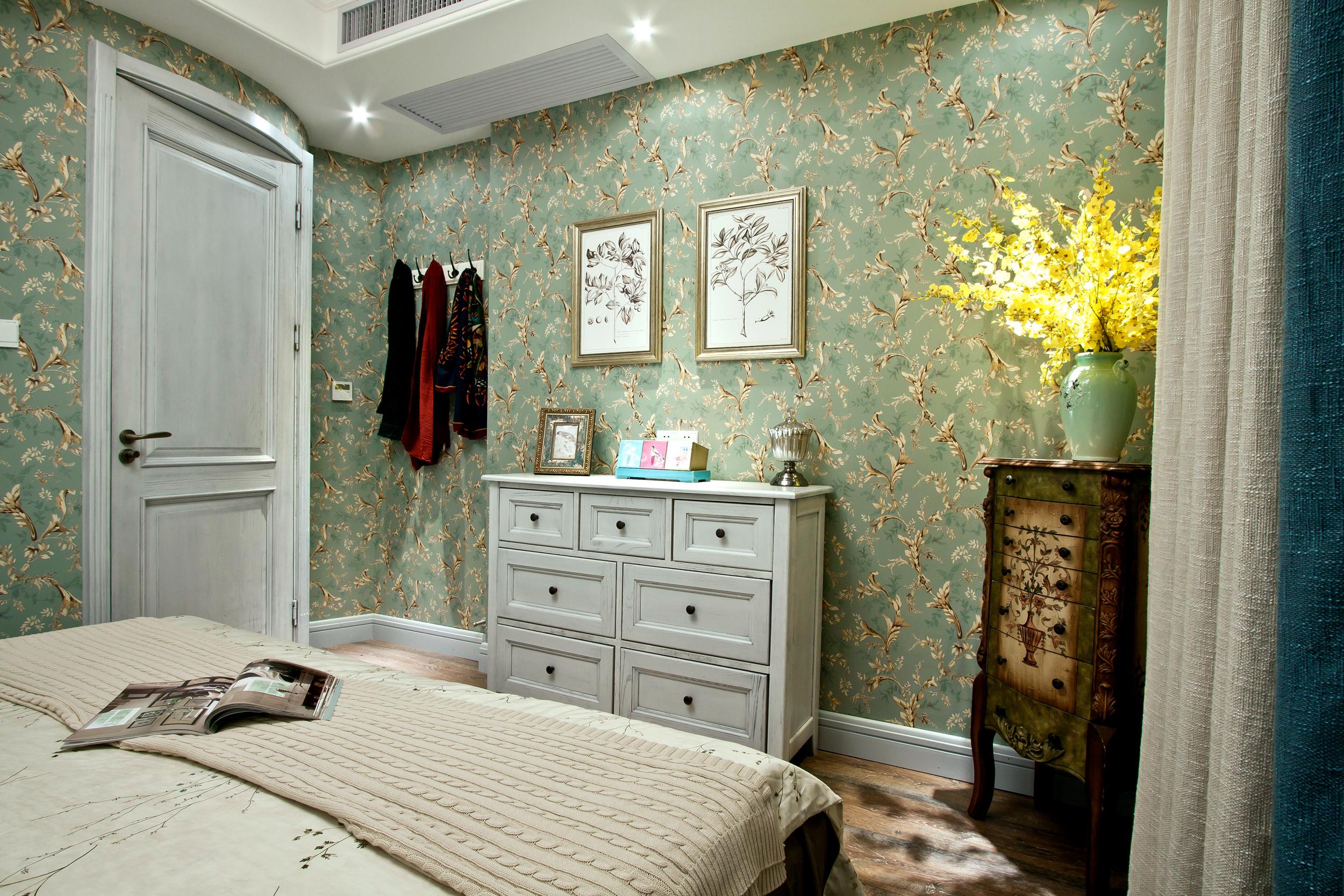 100平美式风格装修卧室背景墙图片