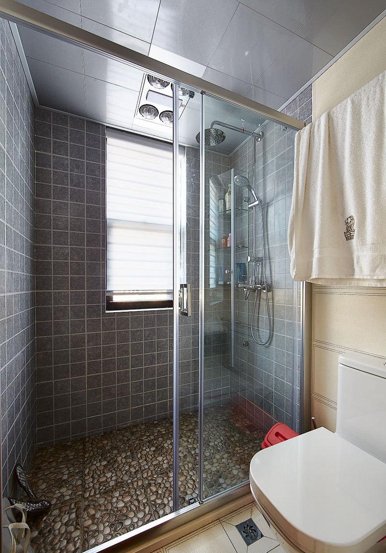 美式现代卫生间雨花石装饰图