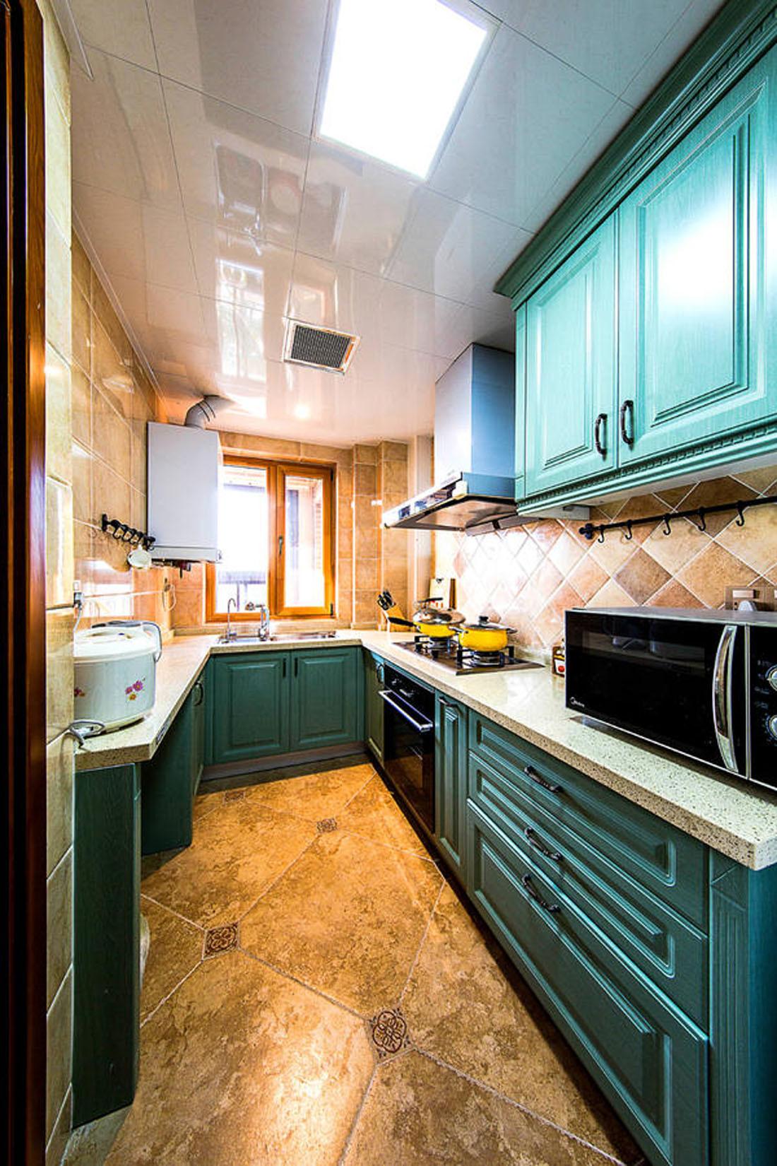 140平美式装修厨房搭配图