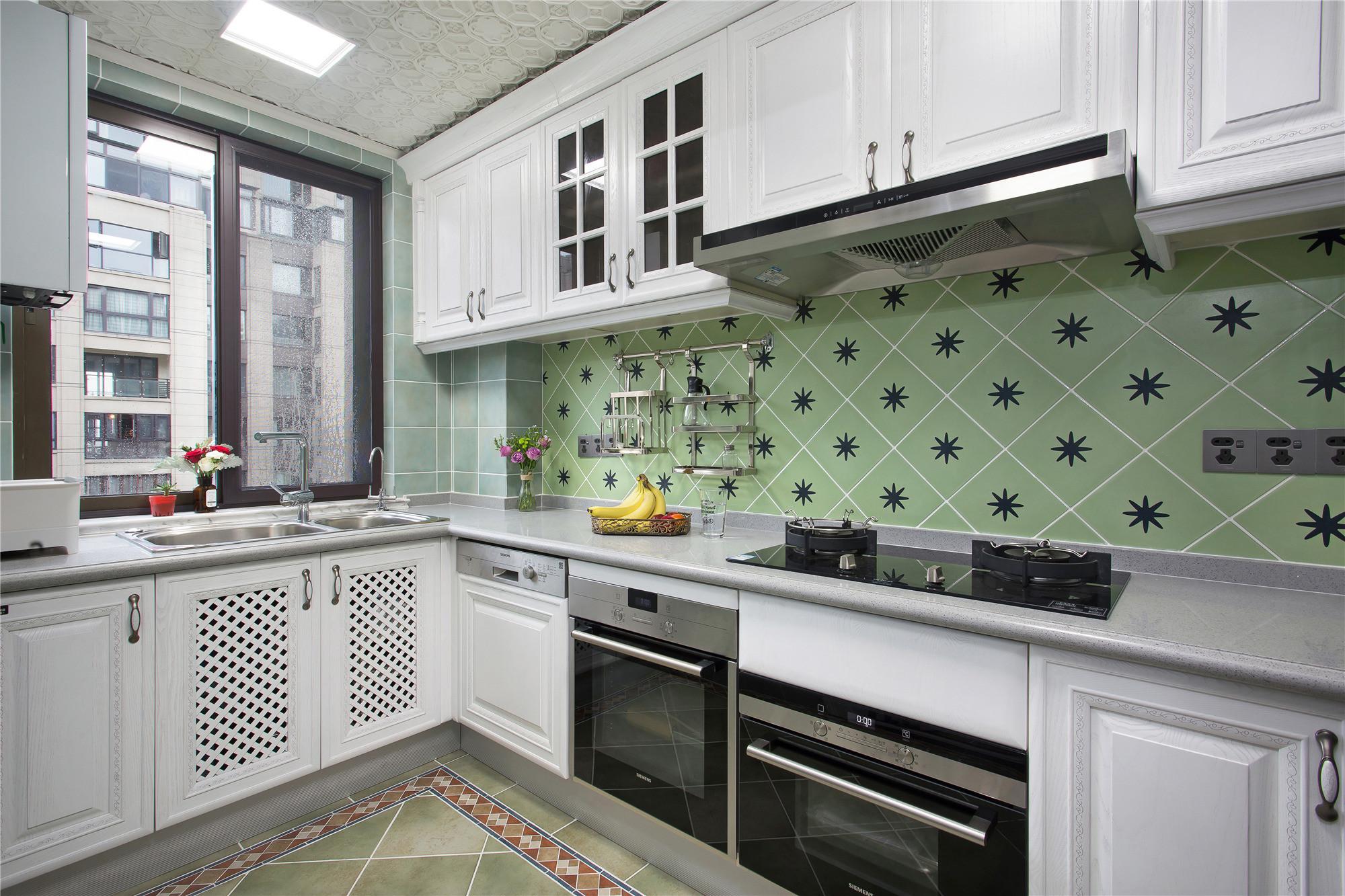 133平混搭空间厨房效果图