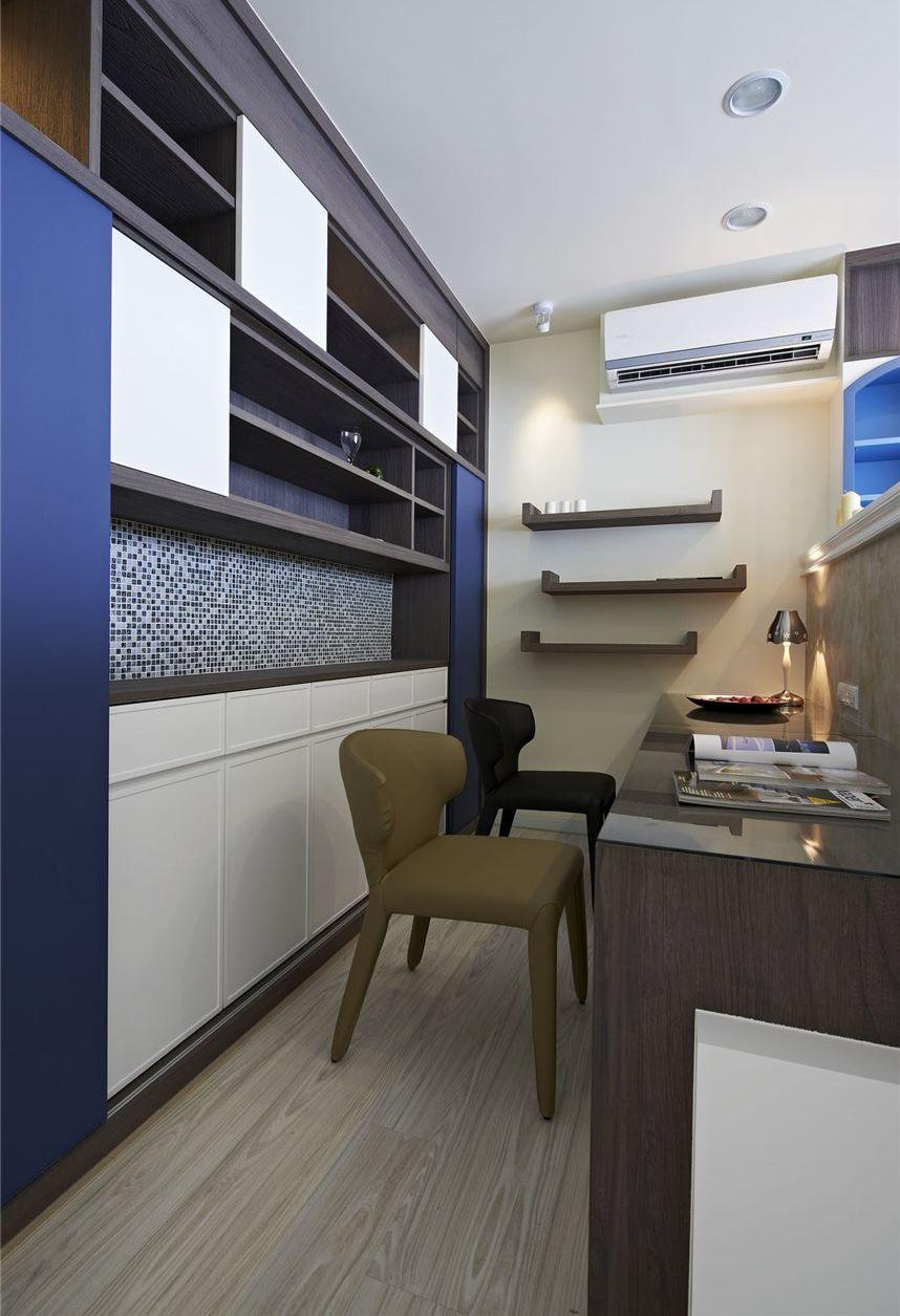 现代简欧风书房墙面书柜设计