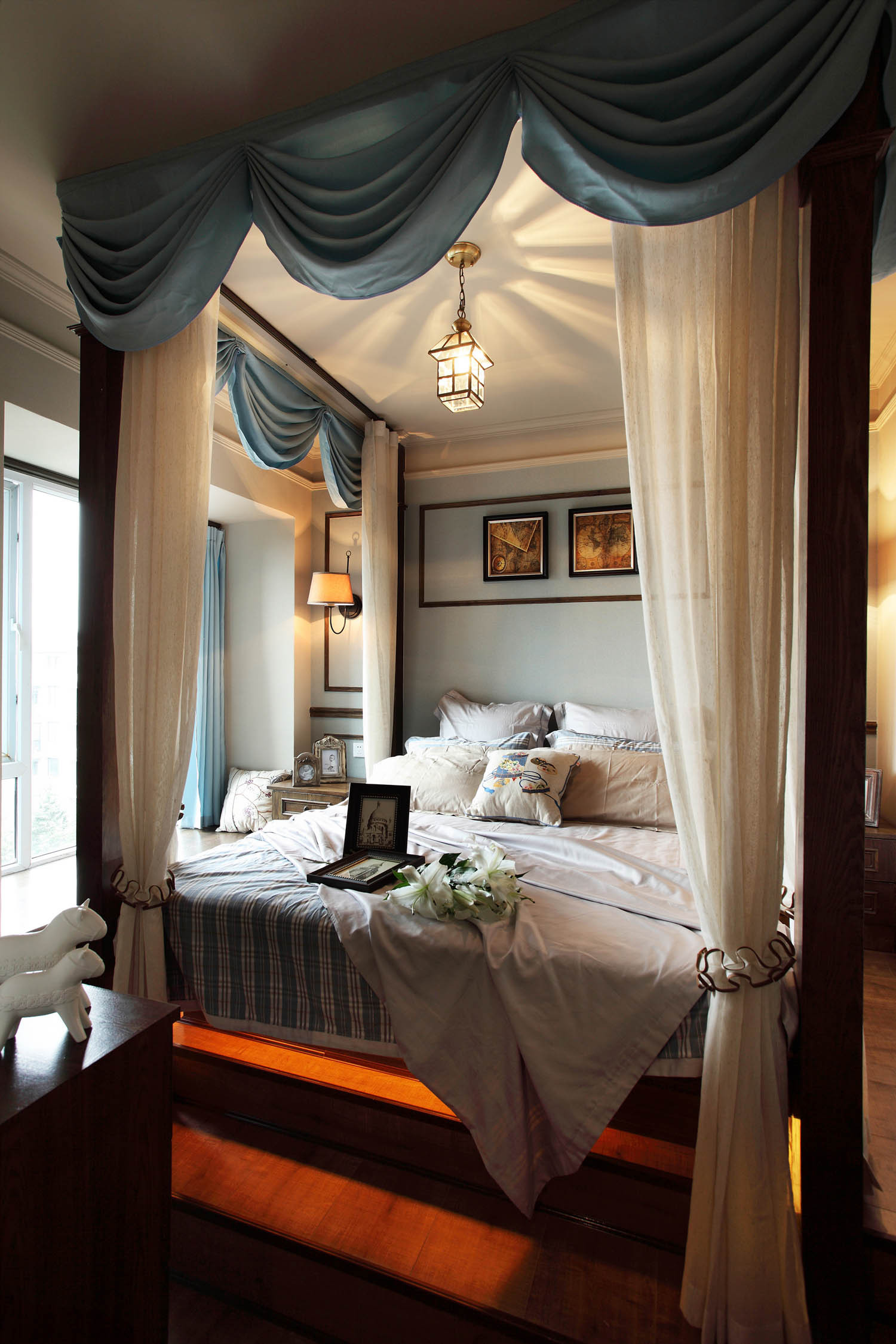 法式二居装修卧室设计图