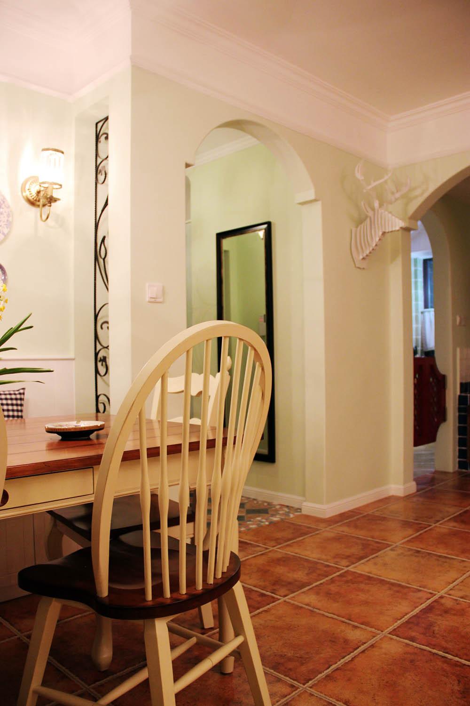 90平乡村风格家餐桌椅图片