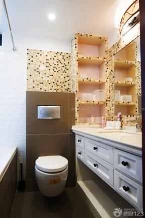 现代风格卫生间储物架装修图片