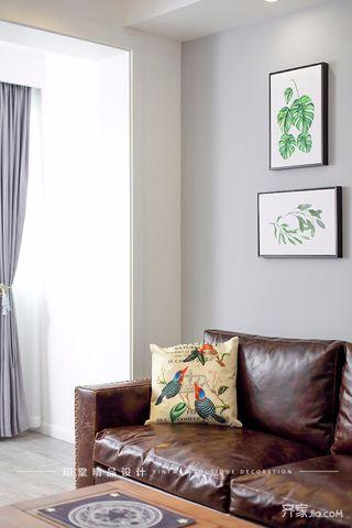 简约复式三居装修沙发一角