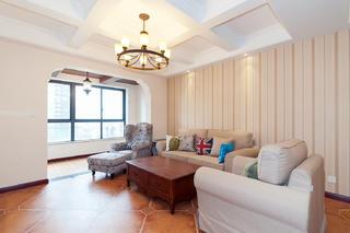105㎡美式三居室装修顶面造型图