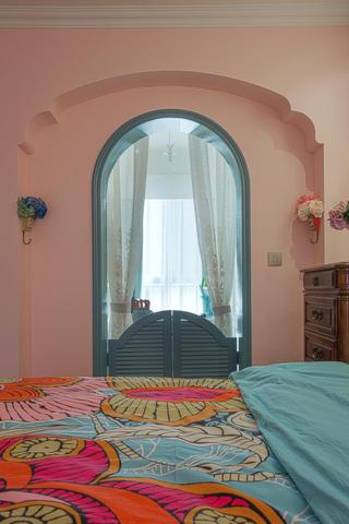 80平美式风格三居装修拱门设计