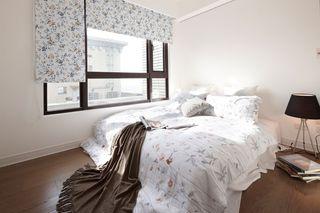 宜家田园风卧室 小碎花窗帘欣赏
