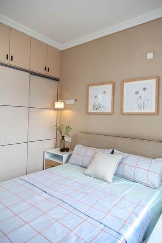 北欧风格三居之家卧室布置图
