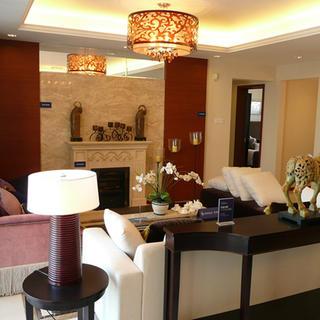 后现代风格三居室客厅装修设计图
