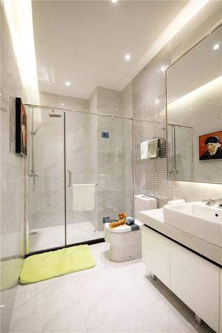 明亮现代简约混搭大卫生间玻璃隔断设计