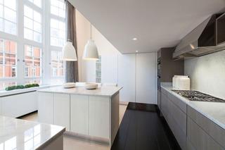 优雅大方现代风厨房带吧台设计装修