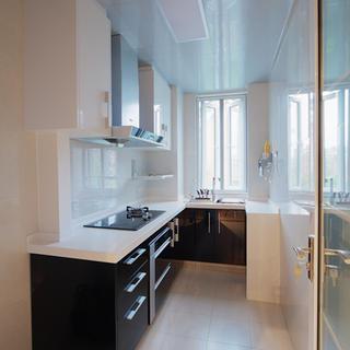 三居室简约厨房装修效果图