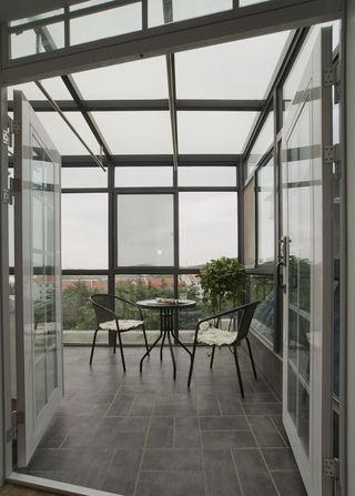 简约现代风格别墅露台阳光棚设计