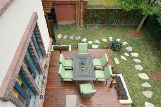 中西混搭别墅设计露台俯瞰图