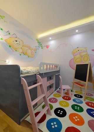 现代时尚可爱缤纷儿童房手绘墙装饰效果图