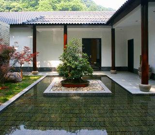 清雅复古中式别墅庭院鱼池设计欣赏