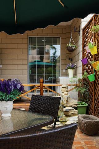 美式别墅装修花园一角