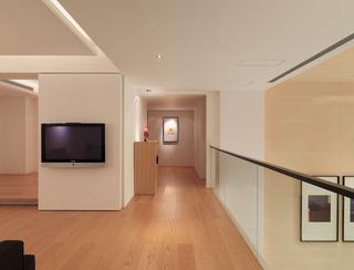 原木简约现代电视背景墙设计