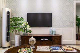清新美式三居电视背景墙图片