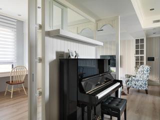 简美式钢琴房隔断效果图