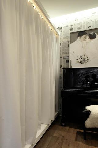 现代简约三居装修窗帘图片