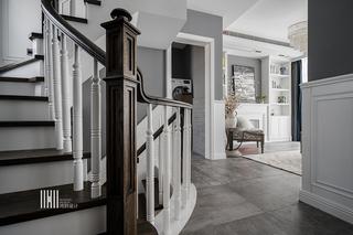 新美式别墅装修楼梯设计