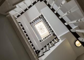 美式别墅楼梯设计