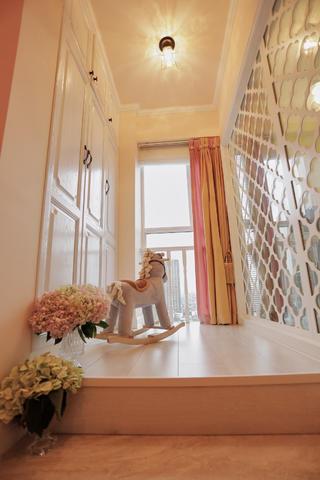 135㎡法式浪漫三居装修榻榻米设计