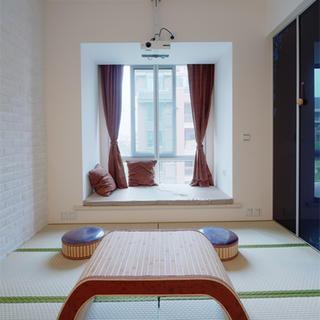 三居室简约装修榻榻米卧室设计