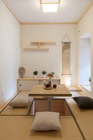 日式风格两居室装修榻榻米休闲室效果图