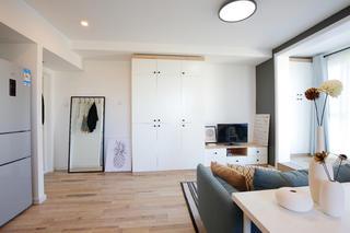 小户型北欧风设计衣柜图片