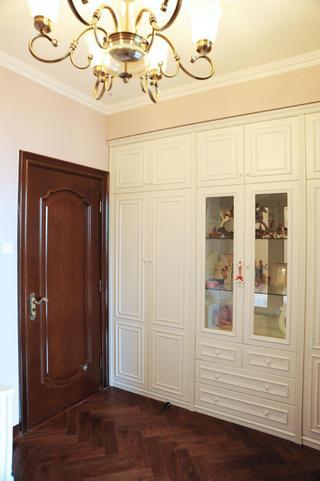 大户型美式风格装修衣柜图片