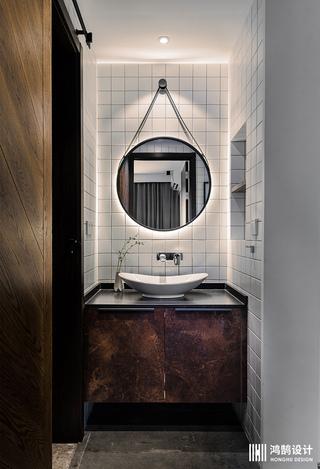 现代工业风三居之家浴室柜设计