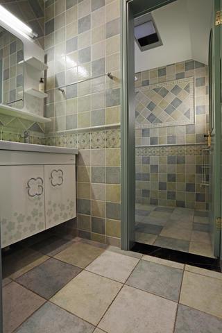 110㎡三居室美式装修浴室柜图片