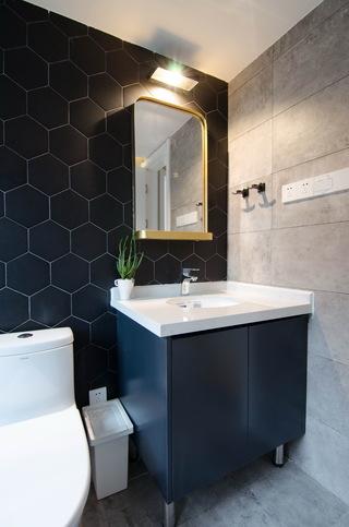 现代北欧风三居室装修浴室柜设计