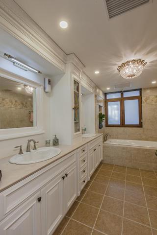 欧式混搭别墅装修浴室柜图片