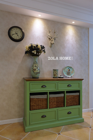 美式田园风格二居装修玄关柜设计图