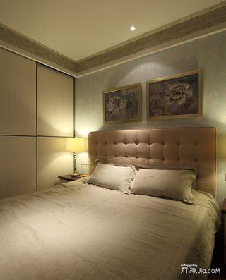 混搭风格三居装修卧室布置图