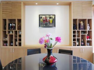现代简约复式装修餐厅背景墙图片