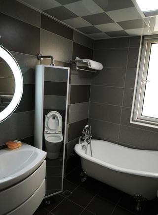148平现代简约装修卫生间设计图