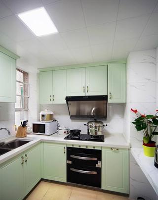 清新薄荷绿田园风格厨房橱柜设计
