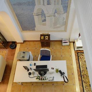 地中海风格复式别墅装修工作区俯视图