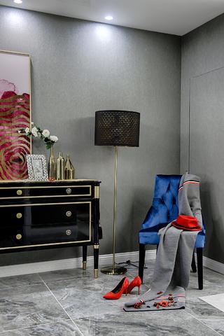 四居室新古典设计门厅一角
