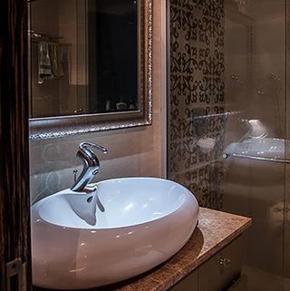 新古典两居室公寓装修洗手台图片