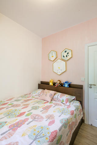 四居室北欧风格家女孩房设计图